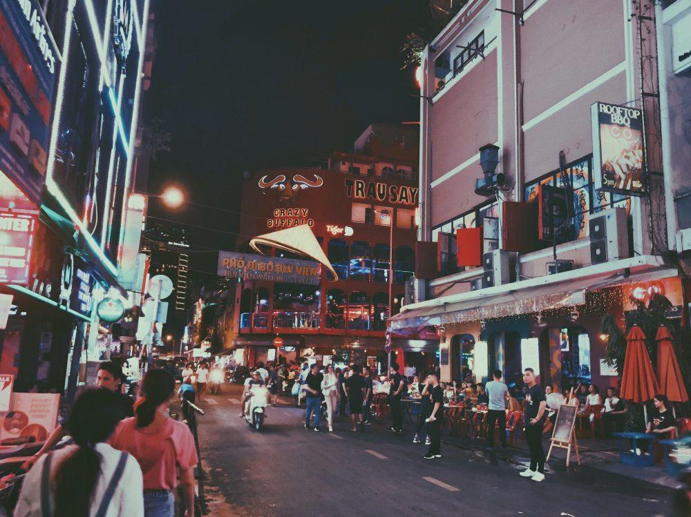 Phố đi bộ Bùi Viện, Sài Gòn